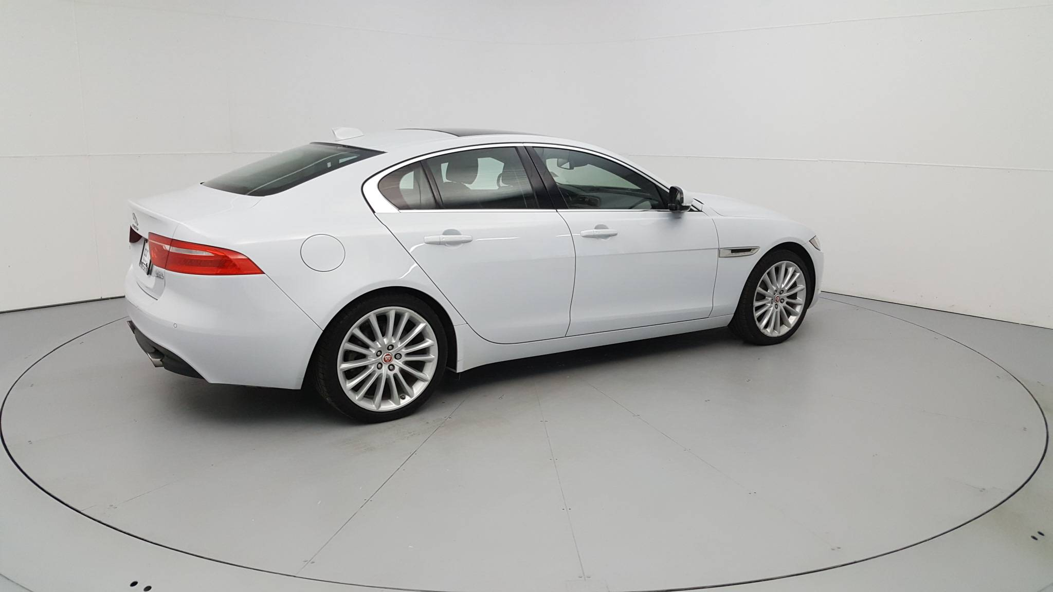 Pre-Owned 2017 Jaguar XE 35t First Edition