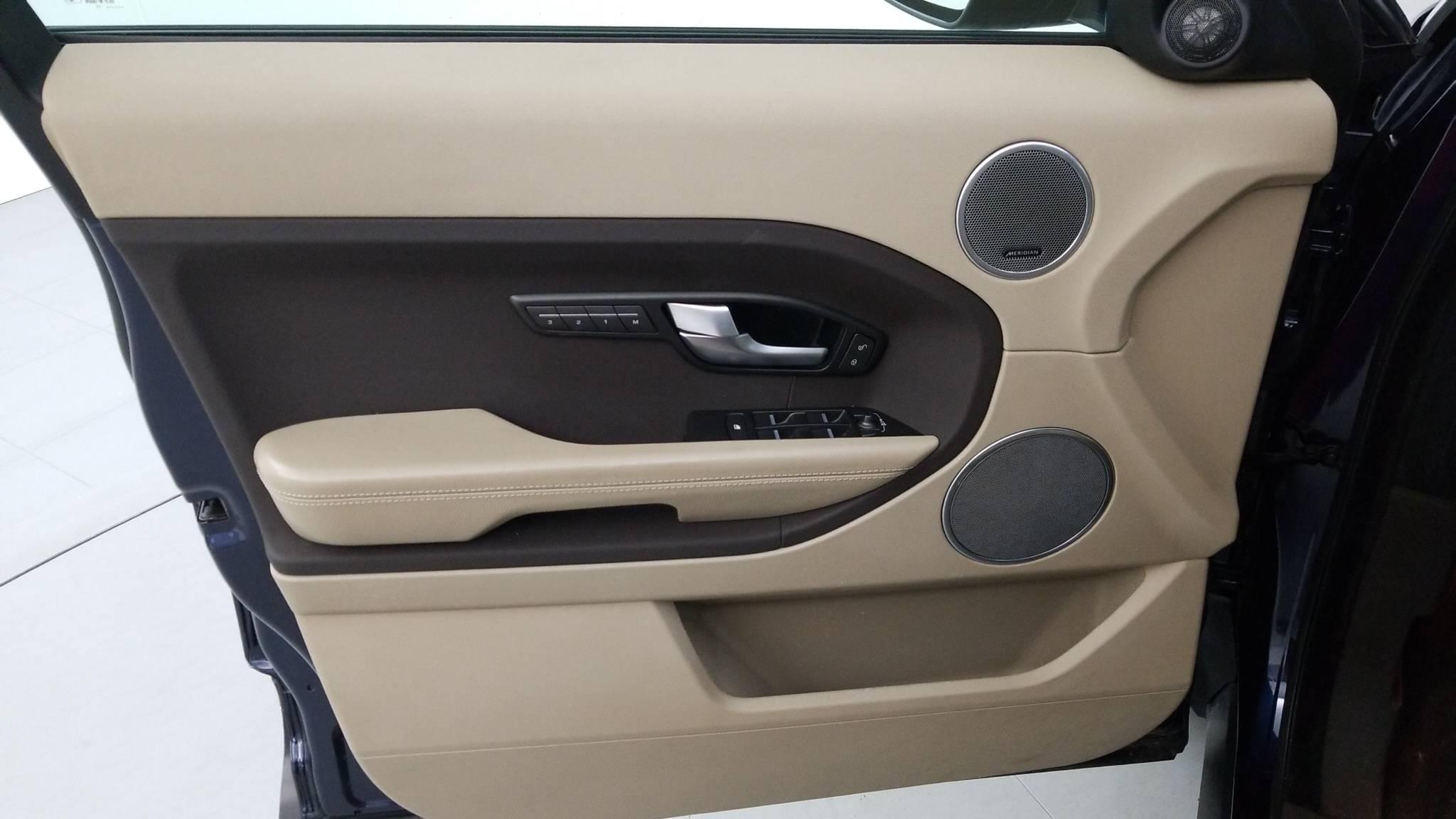 Pre-Owned 2015 Land Rover Range Rover Evoque Pure Plus