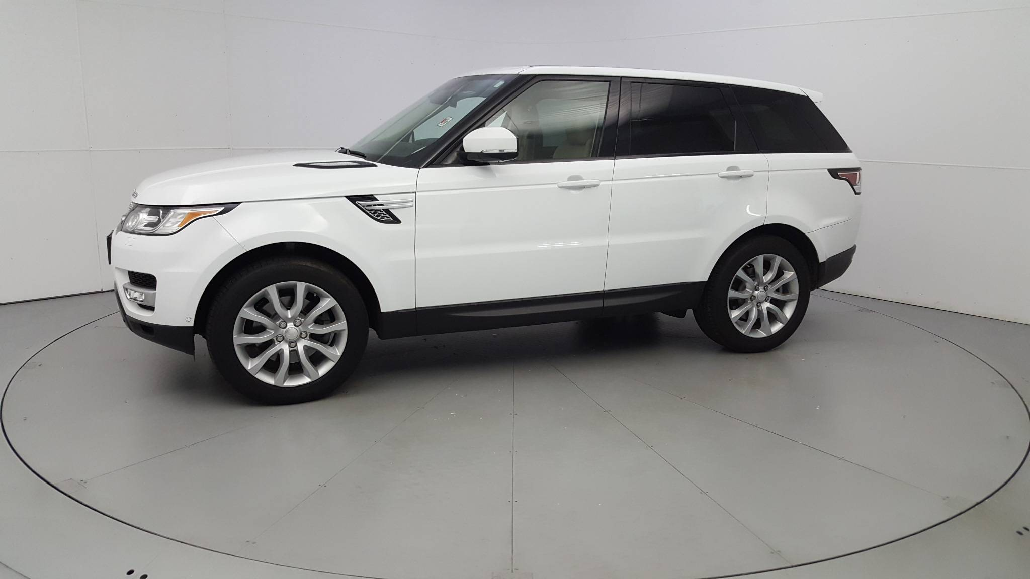 Pre-Owned 2014 Land Rover Range Rover Sport HSE