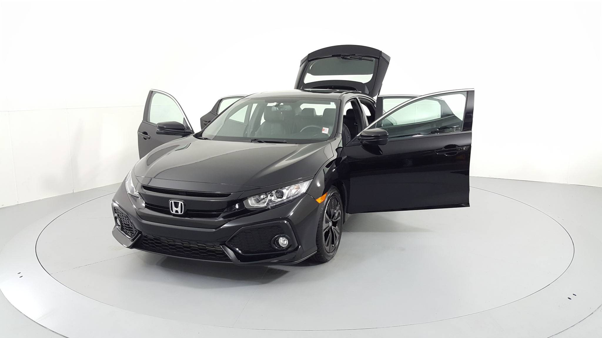 Pre-Owned 2018 Honda Civic Hatchback EX-L Navi