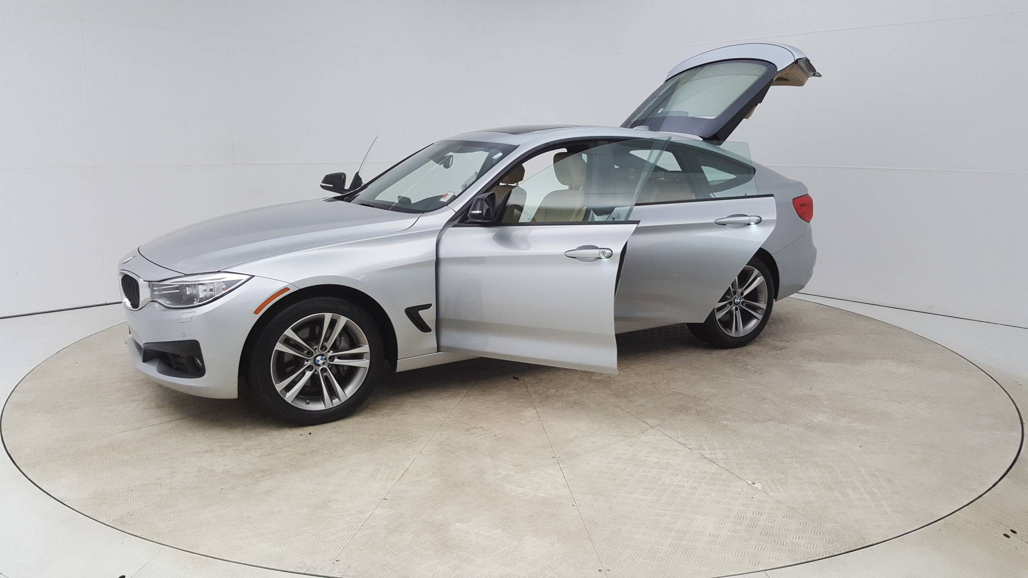 Pre-Owned 2015 BMW 335i xDrive Gran Turismo 335i xDrive
