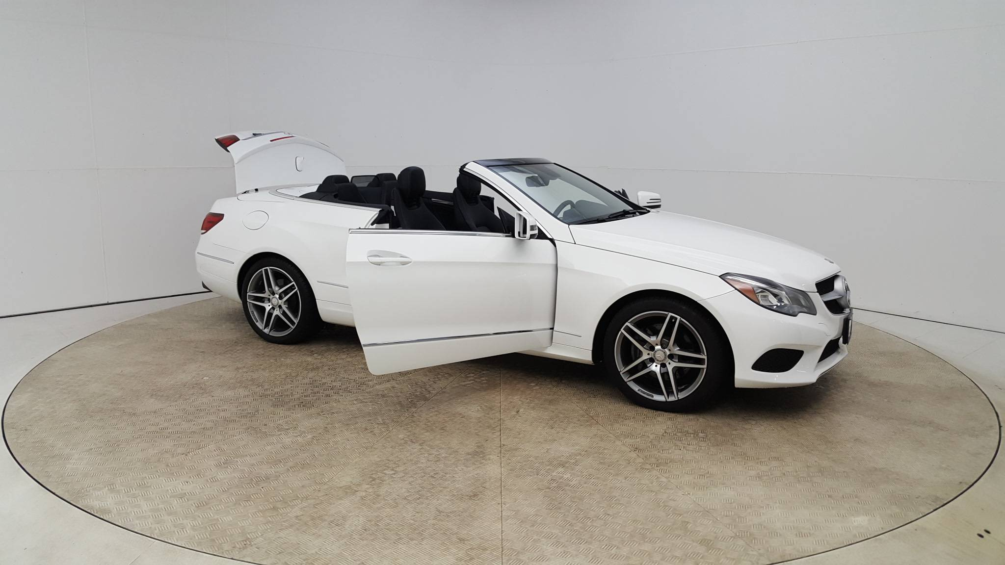 Pre-Owned 2016 Mercedes-Benz E 400 E 400