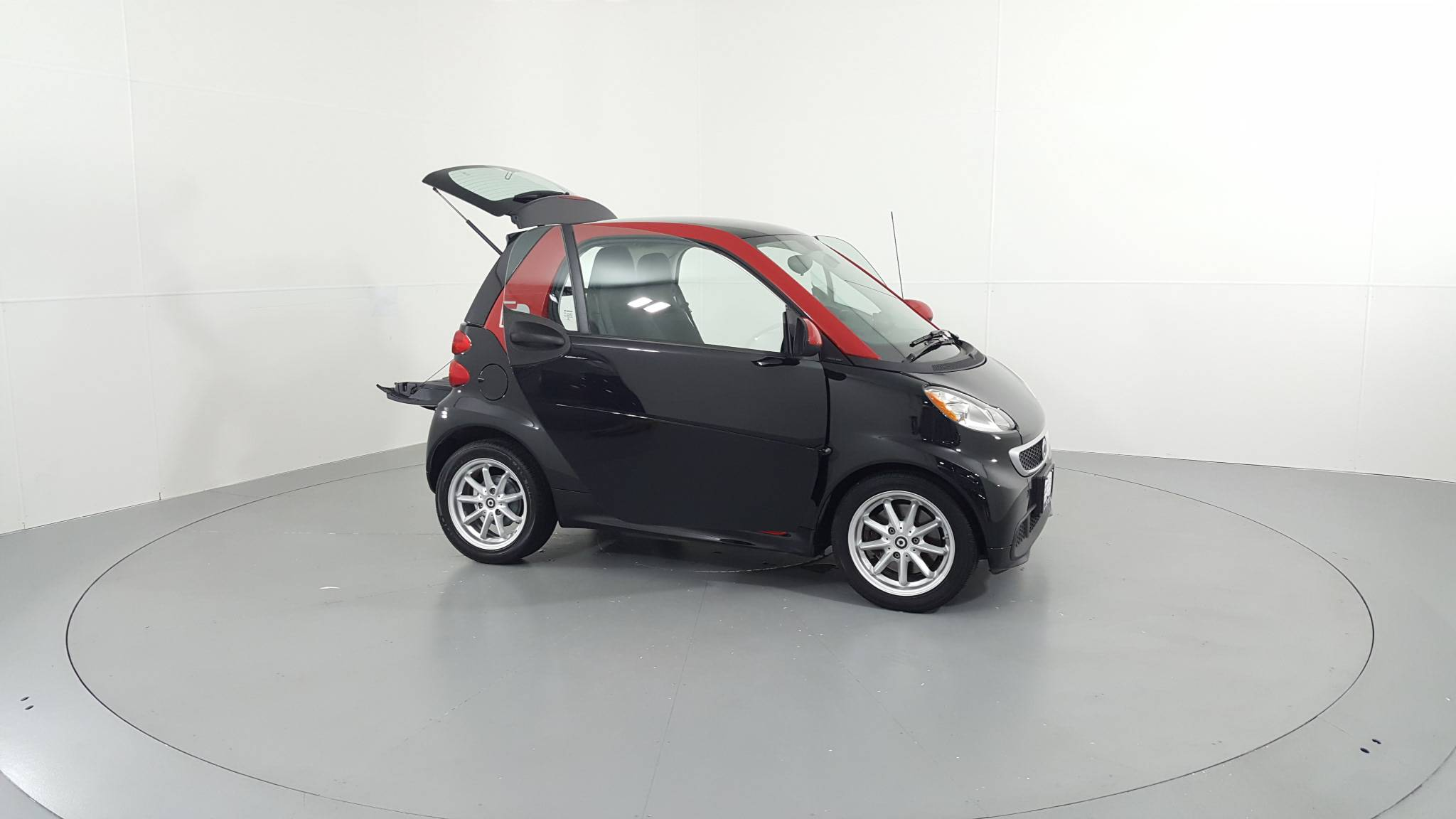 Pre-Owned 2015 smart fortwo electric drive Passion