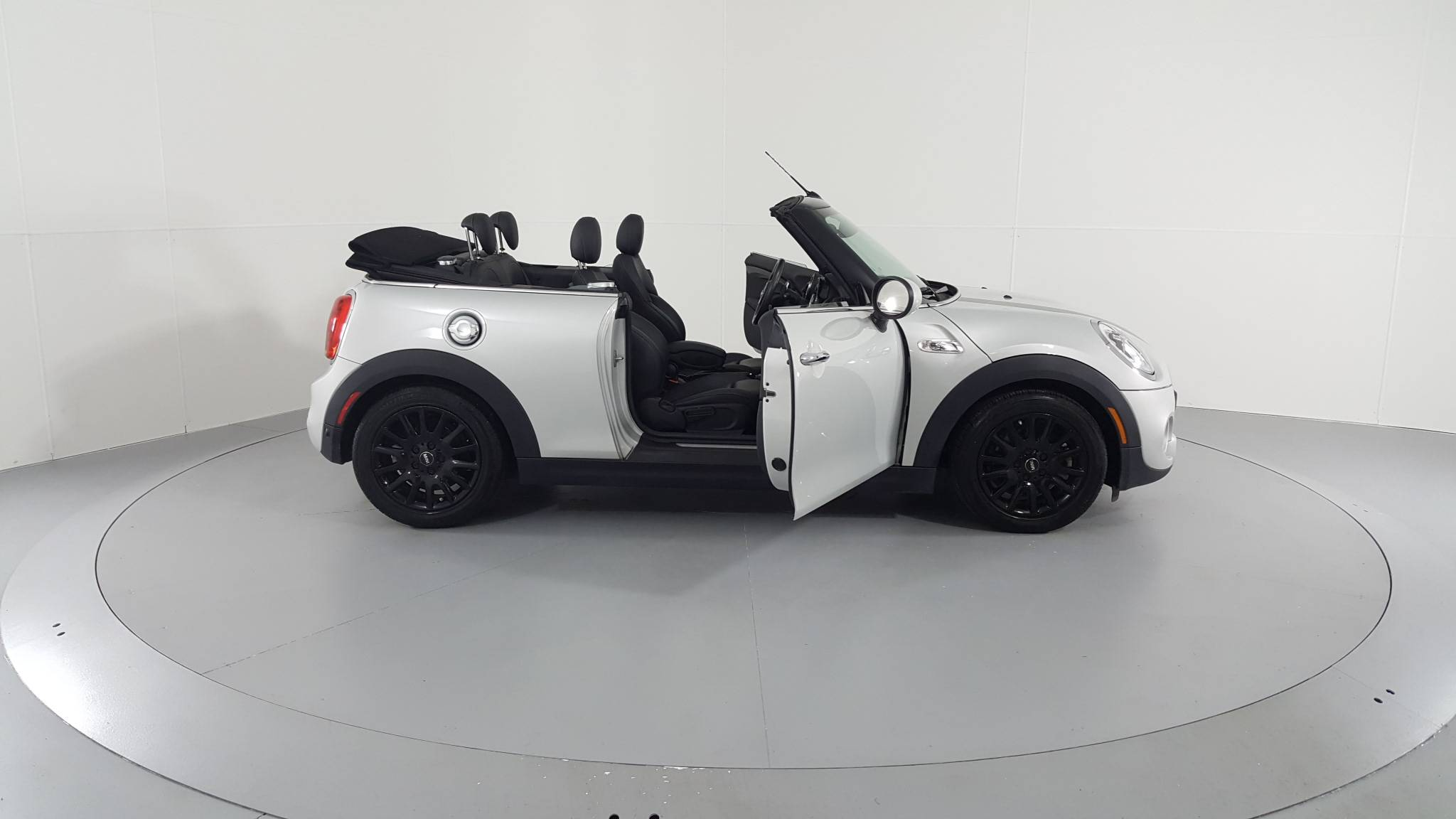 Pre-Owned 2016 MINI Convertible S