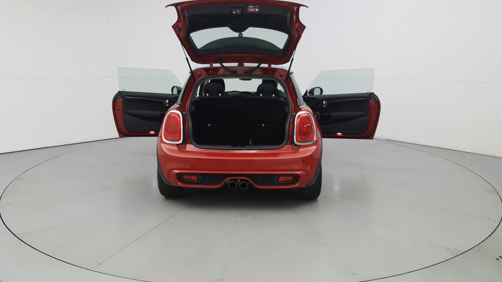 Pre-Owned 2014 MINI Hardtop S