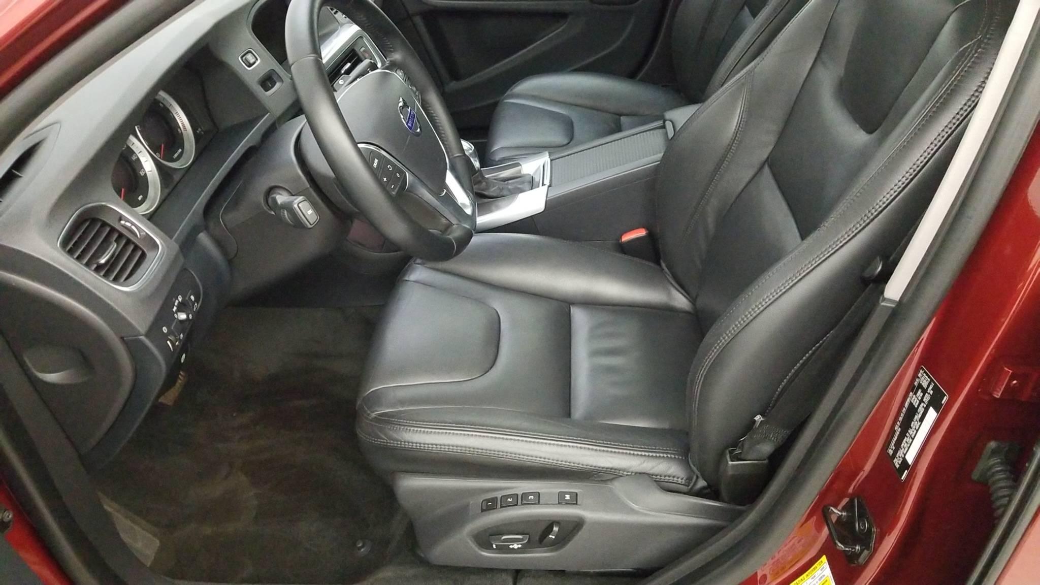 Pre-Owned 2013 Volvo S60 T5 Premier