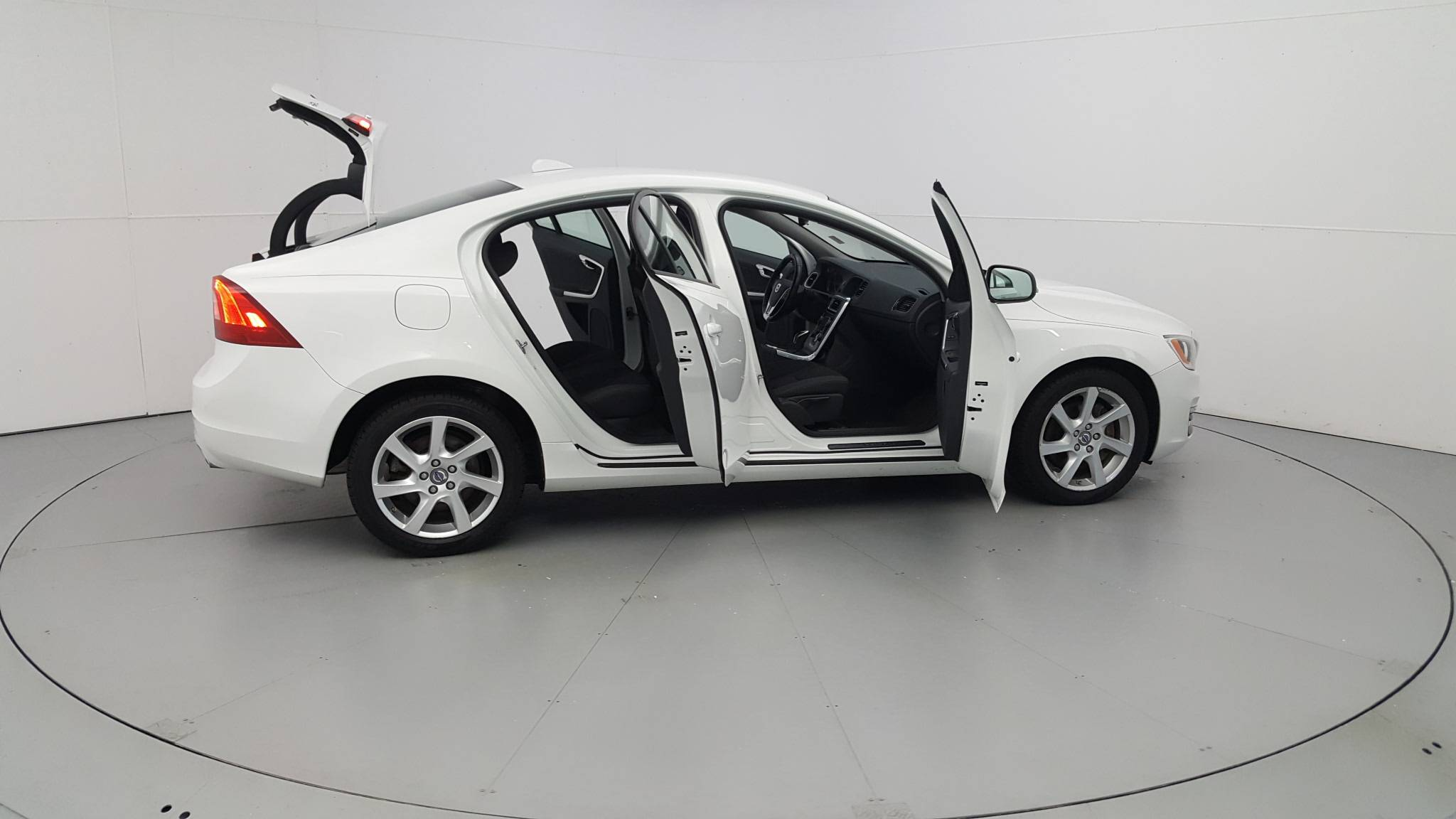 Pre-Owned 2014 Volvo S60 T5