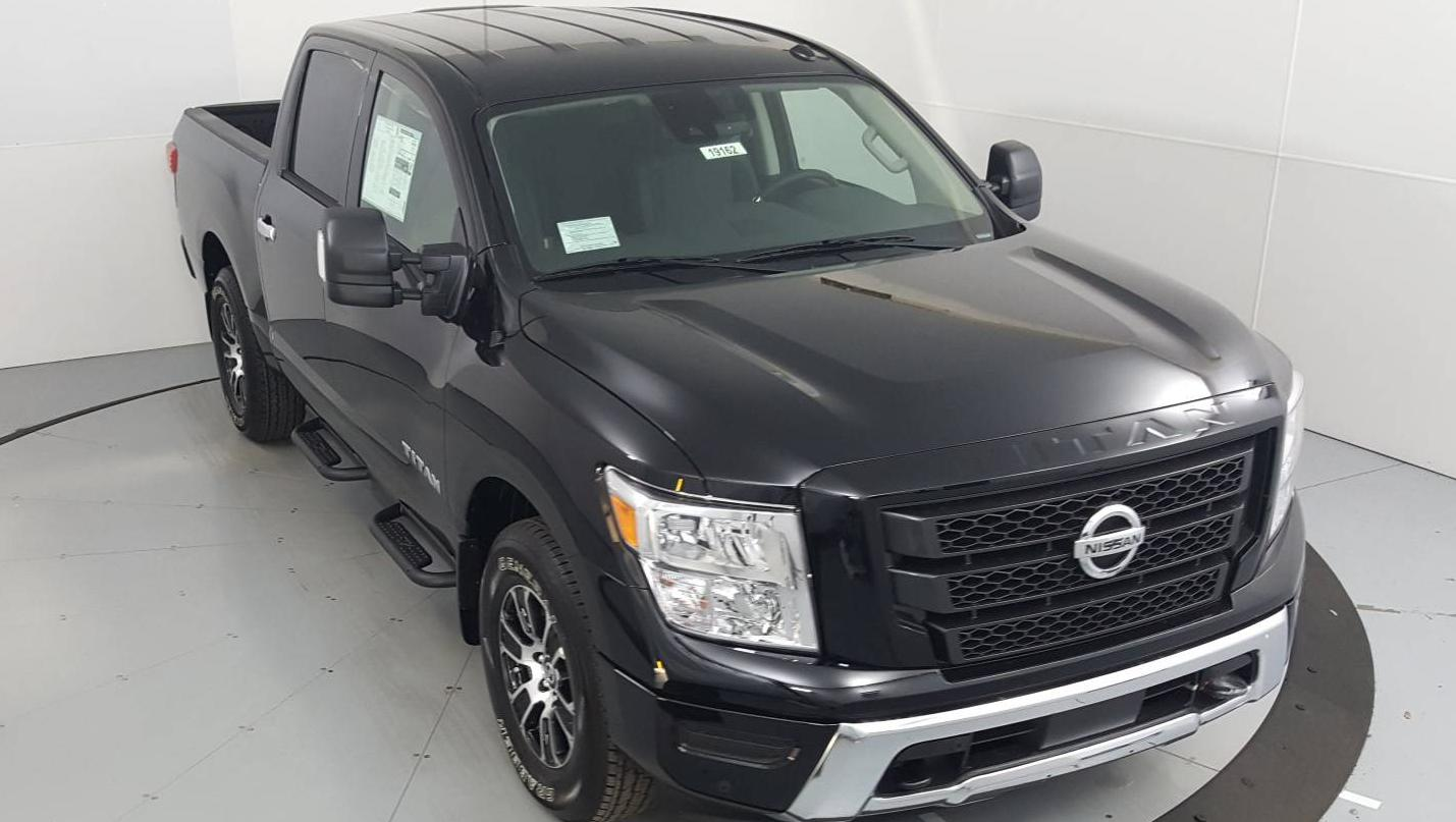 2021 Nissan Titan Short Bed