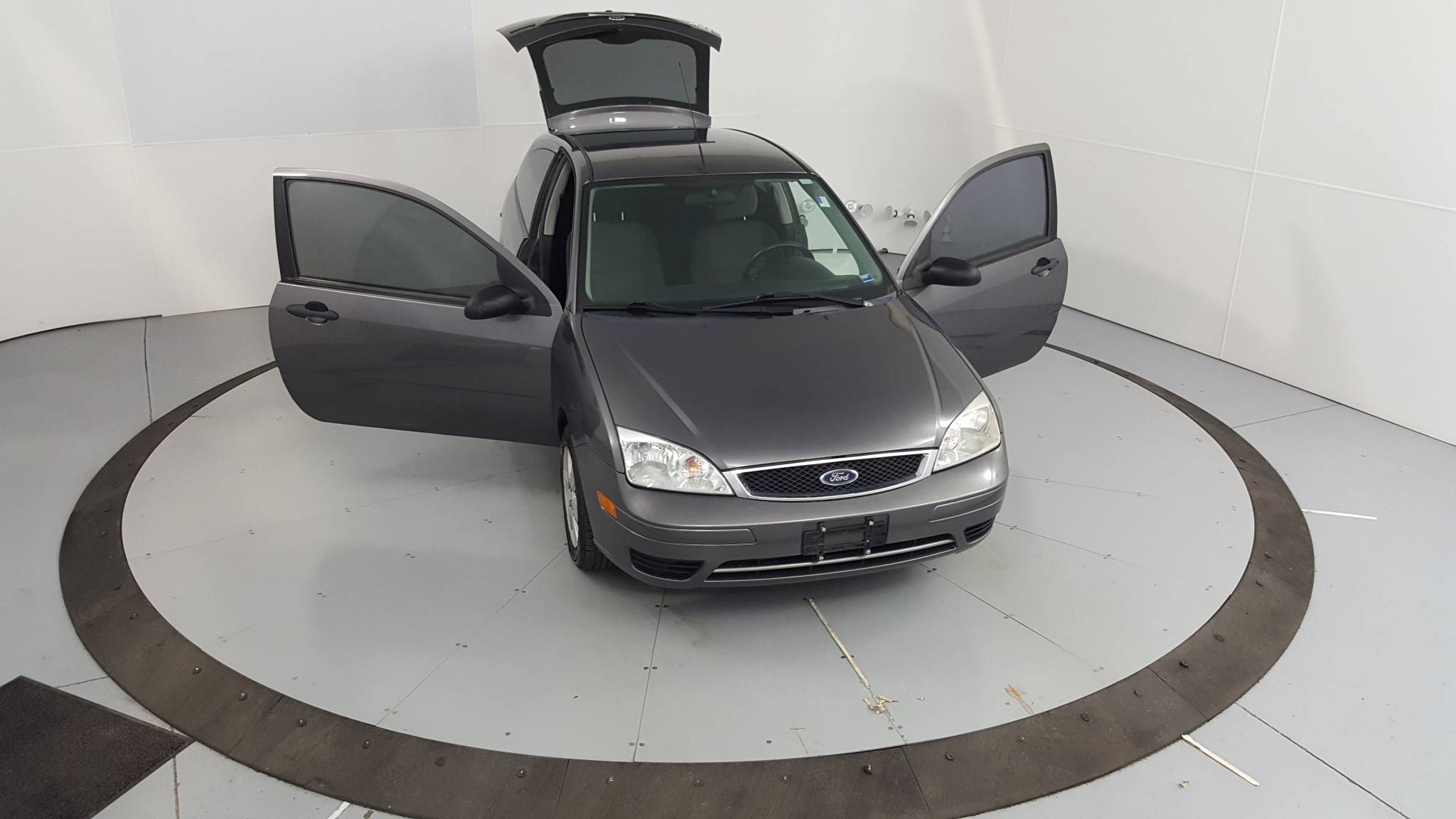 2007 Ford Focus 2dr Car
