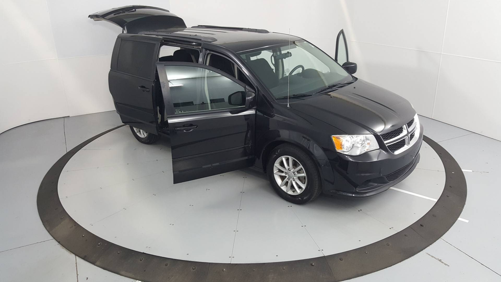 2014 Dodge Grand Caravan Mini-van, Passenger
