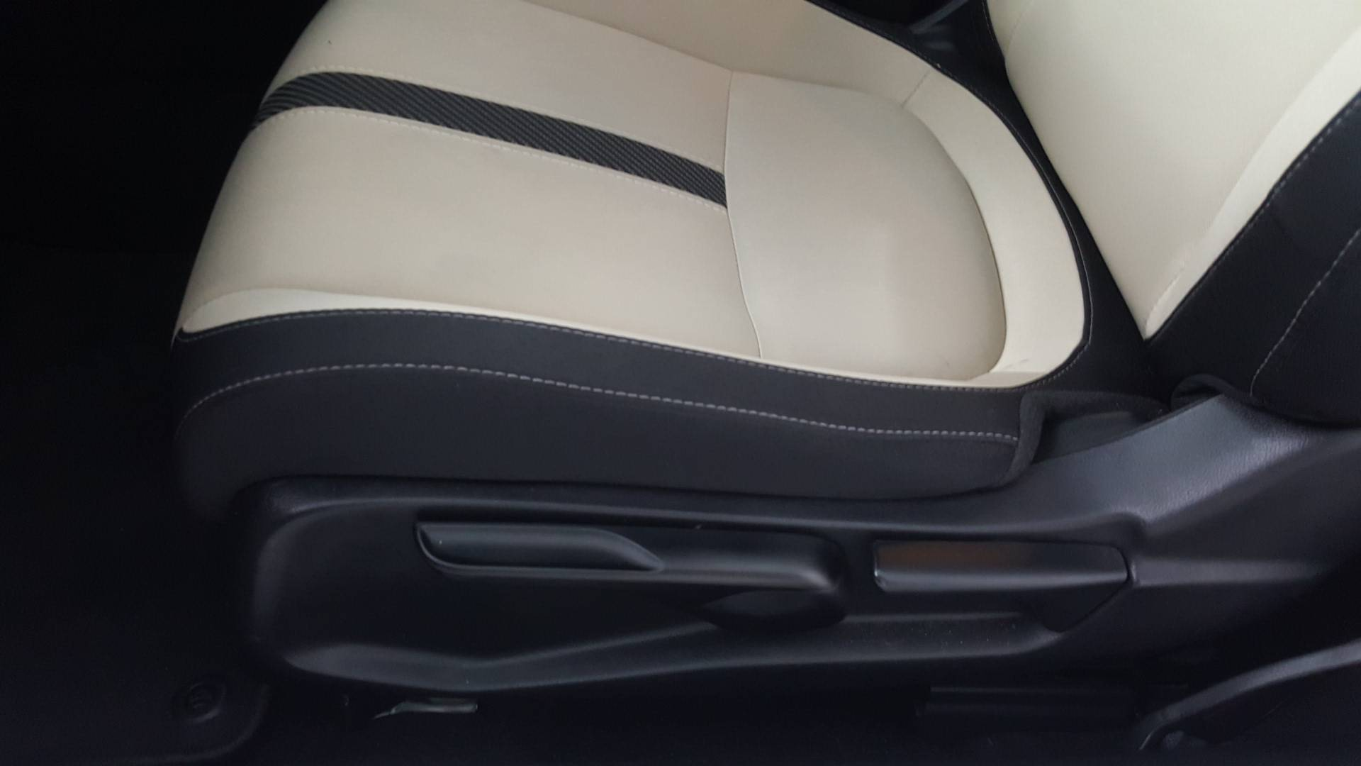 2017 Honda Civic 2dr Car