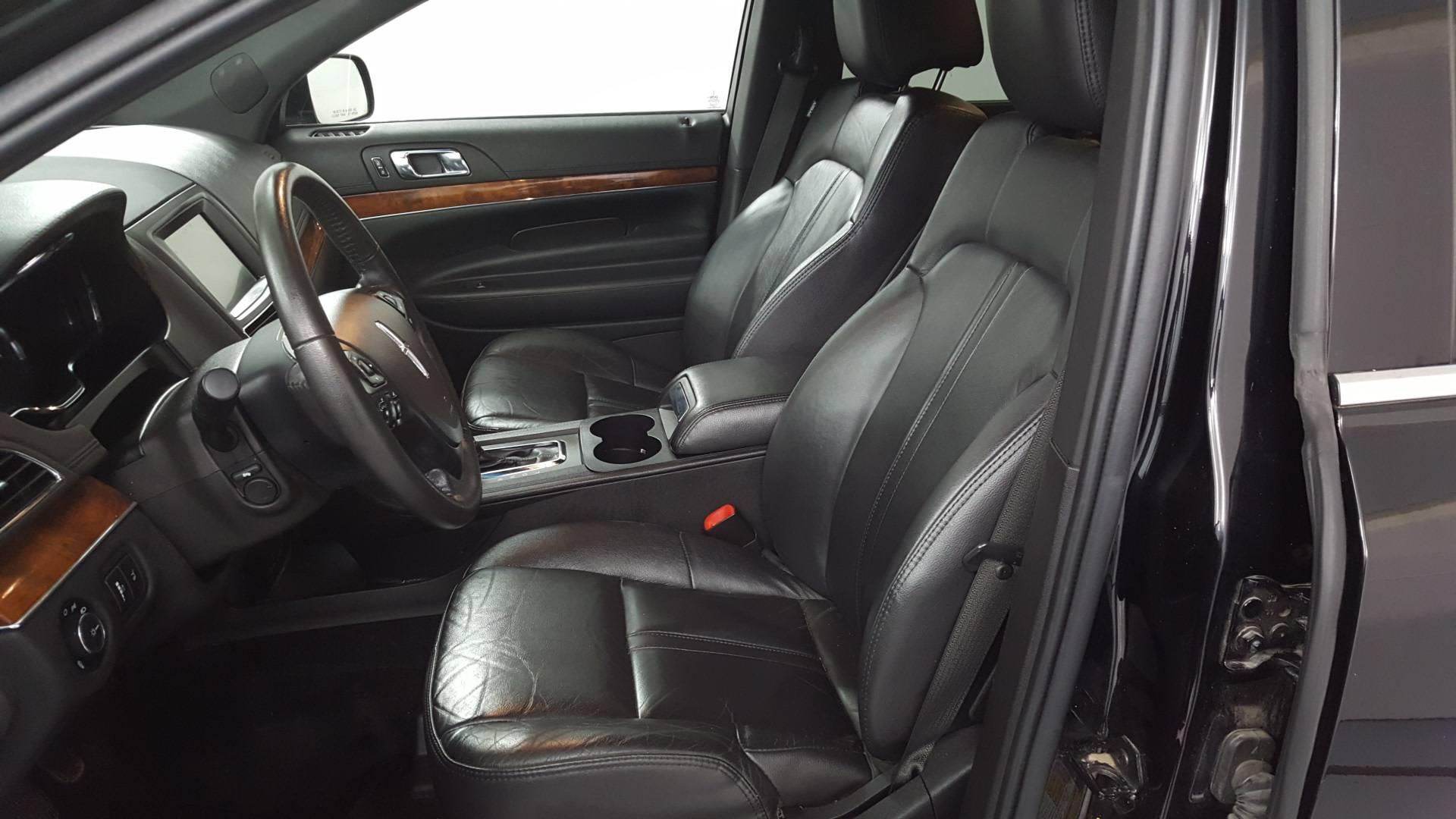 2017 Lincoln MKT Sport Utility