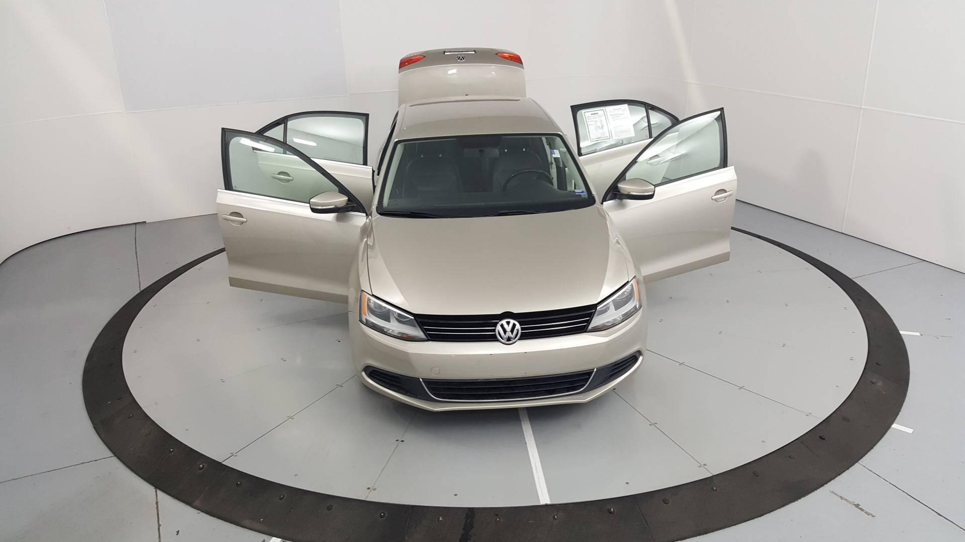 2013 Volkswagen Jetta 4dr Car