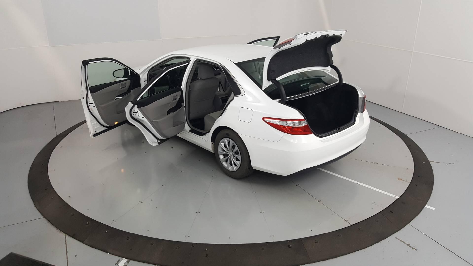 2016 Toyota Camry 4dr Car
