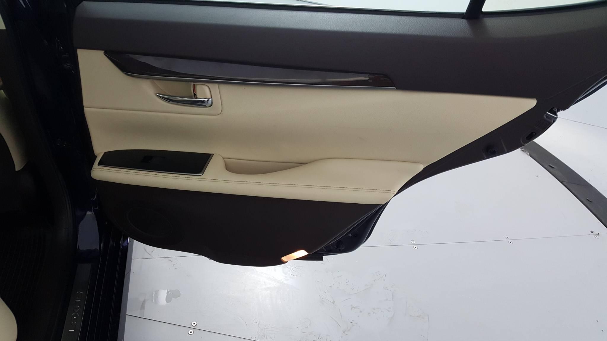 2018 Lexus ES 4dr Car