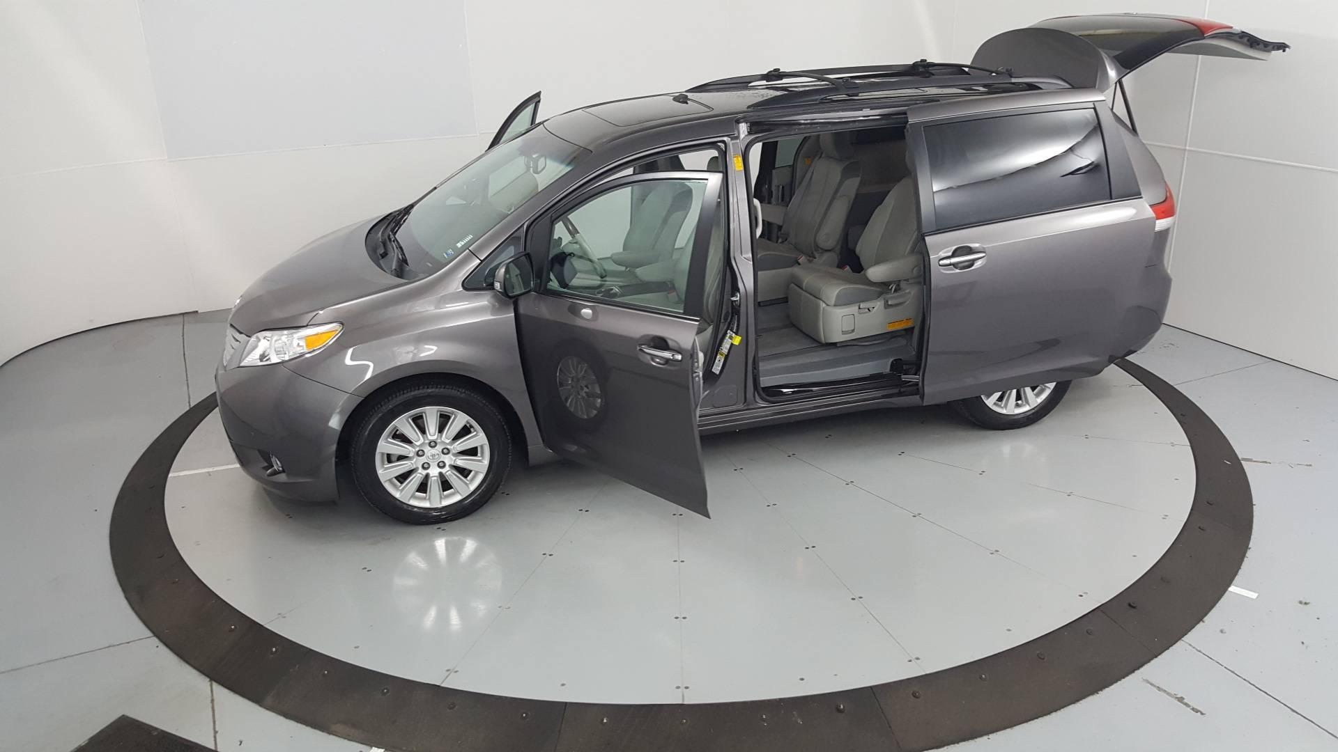 2013 Toyota Sienna Mini-van, Passenger