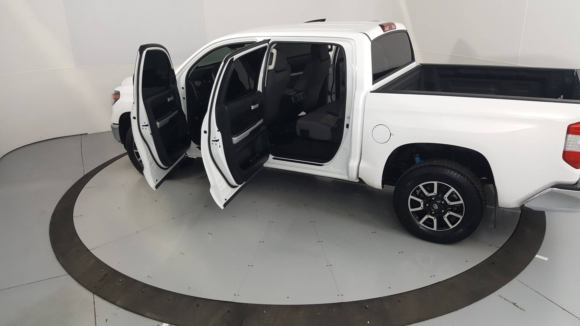 2019 Toyota Tundra Short Bed