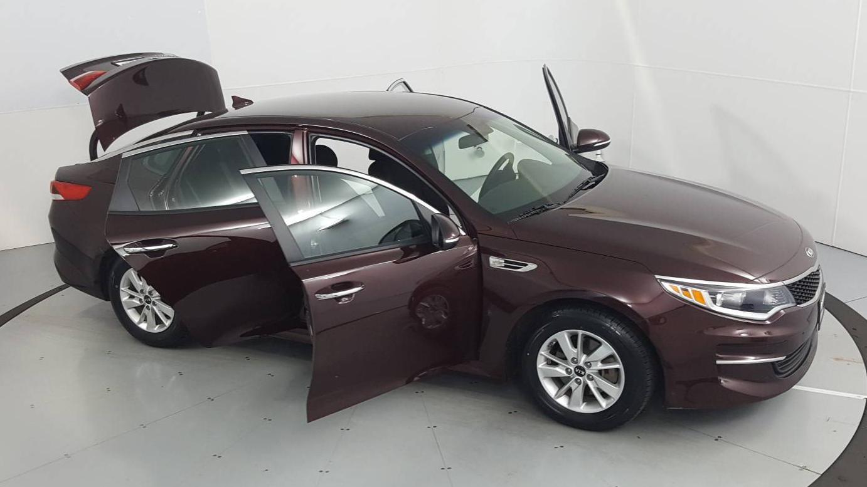 2017 Kia Optima 4dr Car
