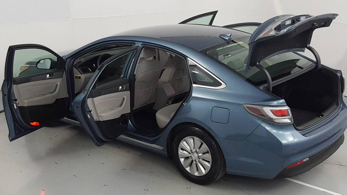 2016 Hyundai Sonata Hybrid 4dr Car